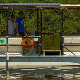 A energia solar move até balsa no Brasil