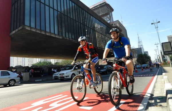 Empresa controla frota e oferece serviços a ciclista