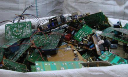 Seguradora dá destino certo a eletrônicos descartados