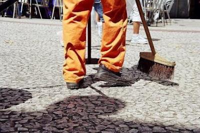 A prefeitura de São Paulo parou de varrer as ruas?