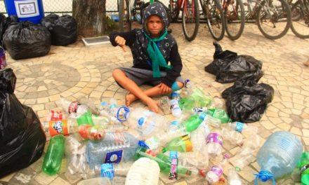 Maresias recolhe 120kg de lixo no Dia da Limpeza