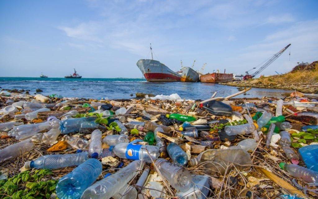 US$ 1 bilhão para controlar o descarte de plásticos