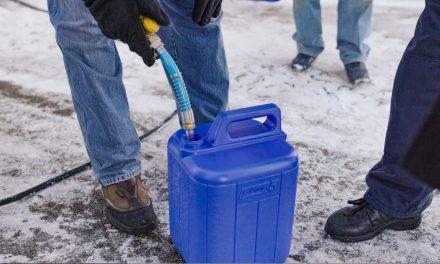 Água a granel é saída para redução de lixo plástico