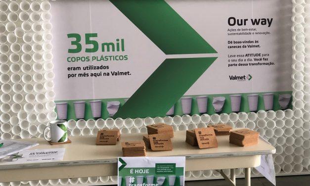 Empresa deixa de usar 35 mil copos de plástico