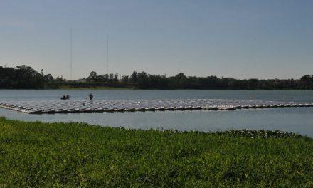 Billings inaugura usina fotovoltaica flutuante