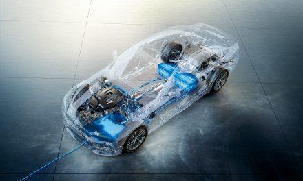 EUA testa tecnologia de carregamento de carro híbrido