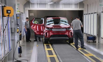 Fábrica da Land Rover devolve embalagens para a Inglaterra