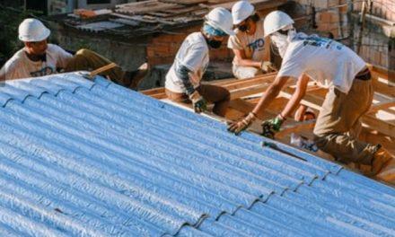 Caixinha de suco vira telhado
